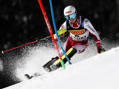 Austrian Pertl leads world slalom, favourites lurk