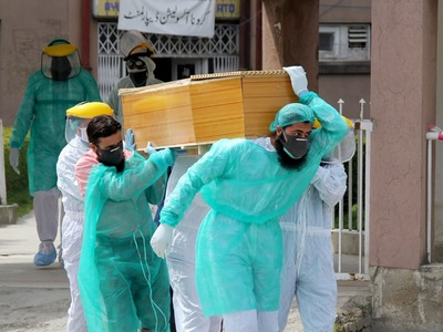 Pakistan sees lowest death toll in a day since October after 16 die from coronavirus