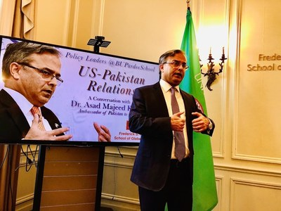 We urge US to play its role for peace dialogue between Pakistan, India: Asad Majeed