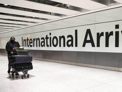 Heathrow airport dives into £2bn annual loss
