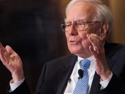 'Never bet against America,' Warren Buffett advises investors