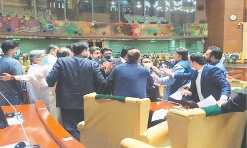 Brawl erupts between PPP, PTI lawmakers in Sindh Assembly