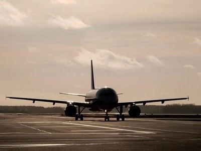 Indian plane makes emergency landing in Karachi