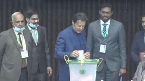 PM Imran casts vote for Senate elections
