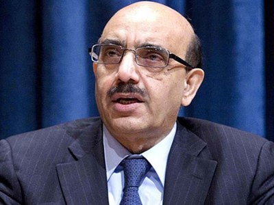 Masood Khan urges youths to become entrepreneurs instead of job seekers