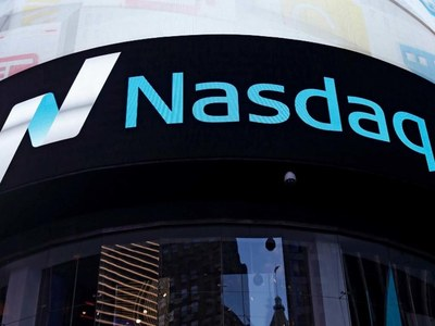 Nasdaq plummets as high-flying tech stocks retreat
