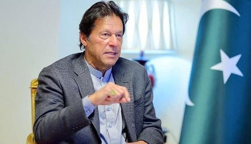 PM's vote of confidence will help attract investment in Pakistan: Bloomberg