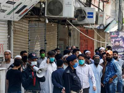 Alarm over 'third wave' as Pakistan reports almost 3000 COVID-19 cases in a day with positivity ratio reaching 6.5%