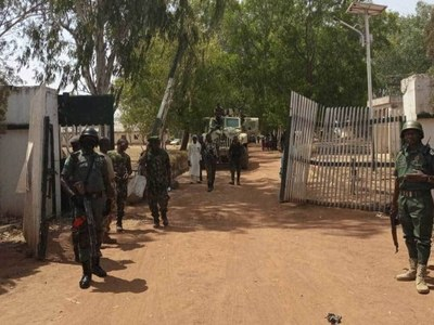 Nigeria steps up hunt for 39 kidnapped students
