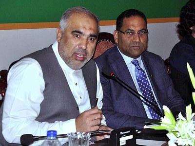 Asad Qaiser, Babar Awan discuss legislation process in parliament