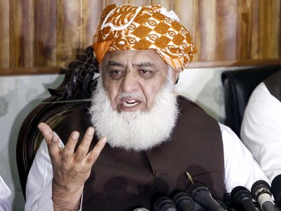 Long march not effective without resignation from assemblies: Fazal