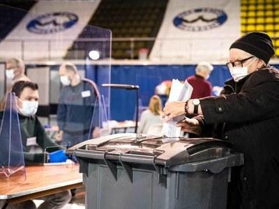 Dutch vote in coronavirus 'crisis' election