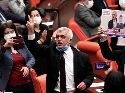 Germany condemns Turkey's crackdown on pro-Kurdish party