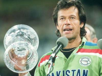 Cricket fraternity wishes Imran Khan speedy recovery from COVID-19
