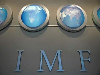 IMF sees signs of stronger recovery, but significant risks remain