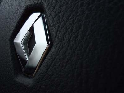 Renault sees its electric, hybrid car sales doubling