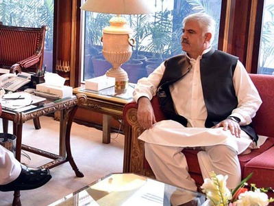 KP CM reviews progress on various mega projects