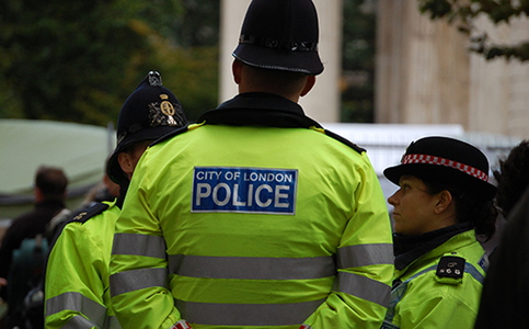 Cops hurt at law-and-order protest in England