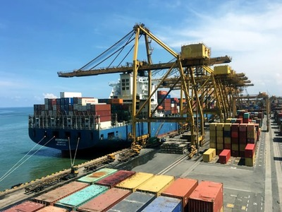 Marine traffic halted as container ship stranded in Suez Canal