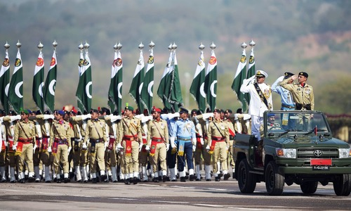 Pakistan shows off military might amid fears of COVID-19 third wave