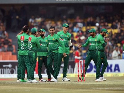 Pakistan squad, officials test negative, team to depart on Friday