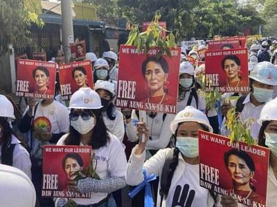 World not tough enough on Myanmar crisis: UN expert