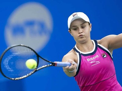 Top-ranked Barty saves match point in Miami win, Halep rallies