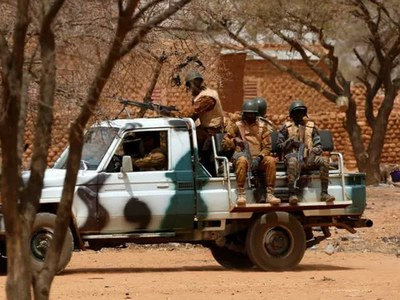 I. Coast security posts attacked on Burkina frontier