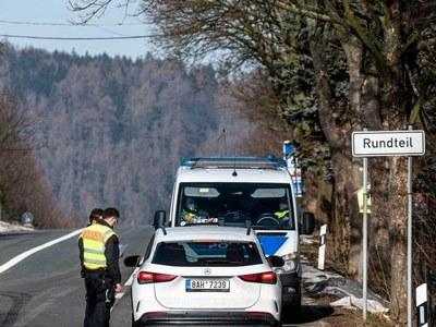 Germany announces tougher land border checks