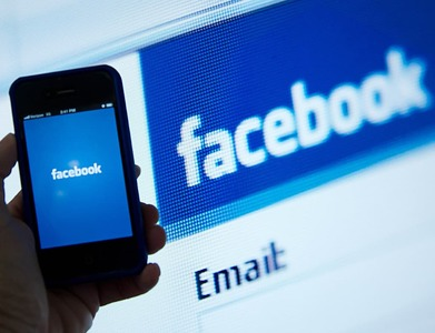 Facebook's chief revenue officer to leave later this year