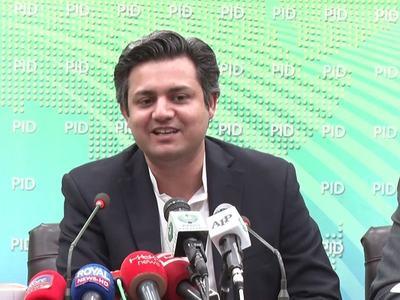Azhar visits 'Q block', holds brief meeting