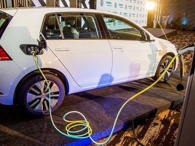 US looks to Canada for minerals to build electric vehicles