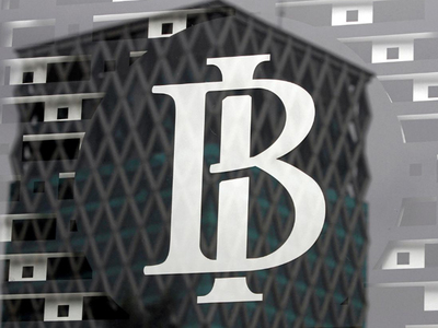 Indonesia central bank gov commits to loose policy, says FX reserves enough for stability