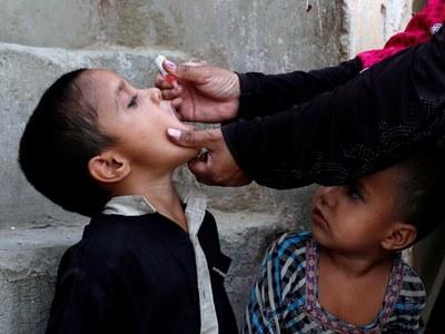 642,278 children get polio vaccine in first three days of drive