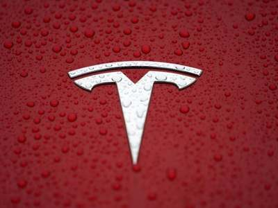 Tesla reports higher 1Q auto deliveries