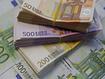 Euro zone bond yields edge up after US jobs data