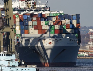 Salvage firm to tow stricken Dutch cargo ship in Norwegian Sea