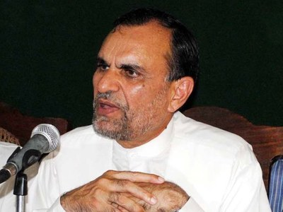 Railways can play key role in strengthening economy: Azam Swati