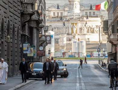 Italy readies 30bn euro stimulus plan, seen pushing deficit above 10pc of GDP