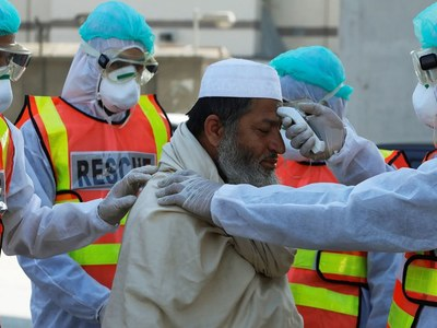 COVID-19 claims one more patients, infects 376 others