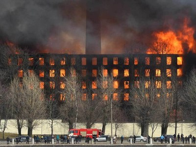 Russia detains two after huge Saint Petersburg fire