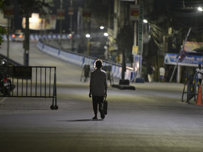India's Maharashtra state imposes 15-day lockdown to slow COVID-19 spread