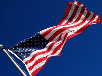 US retail sales climb; jobless claims fall