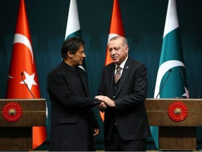 PM Khan, Turkey's Erdogan discuss Afghan peace