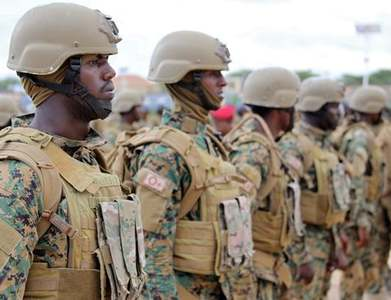 Somali government troops face off with forces loyal to sacked police boss