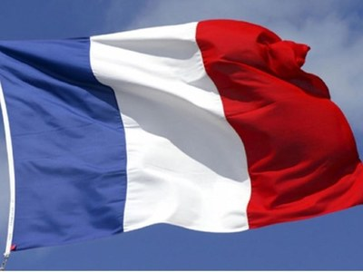 French nationals refuse embassy call to leave