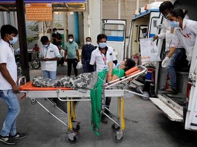 Oxygen leak kills 22 in Indian hospital as coronavirus infections mount