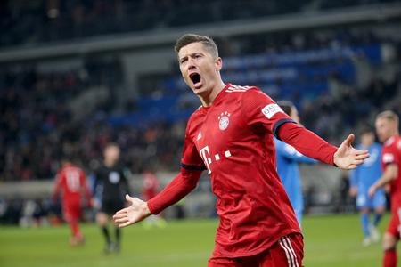 Lewandowski back with Bayern on verge of ninth straight league title