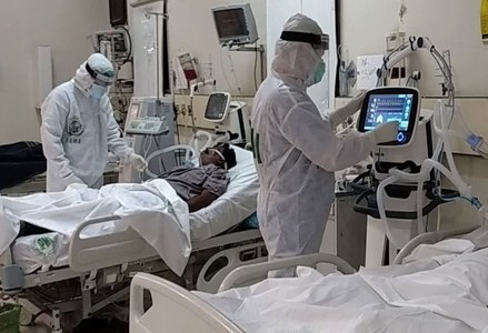 Public hospitals in Islamabad halt scheduled surgeries to save oxygen