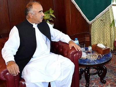 Governor KP asks to remove flaws in system for good governance